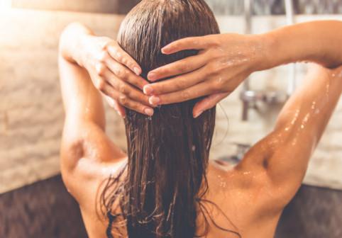 De ce spun unii dermatologi că nu trebuie să facem duș zilnic