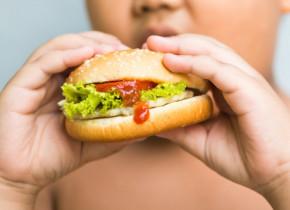 Activitatea banală care îi poate salva pe copii de obezitate, potrivit noilor descoperiri științifice