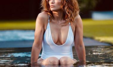 Jennifer Lopez, imaginea perfecțiunii în costum de baie la 51 de ani. Cum arată în poza ajunsă virală pe net