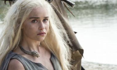 Emilia Clarke, transformată total de la încheierea Game of Thrones. Actrița, de nerecunoscut în pozele surprinse de paparazzi