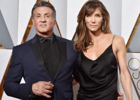 Soția lui Sylvester Stallone, spectaculoasă în costum de baie la 52 de ani. Cum au surprins-o paparazzii