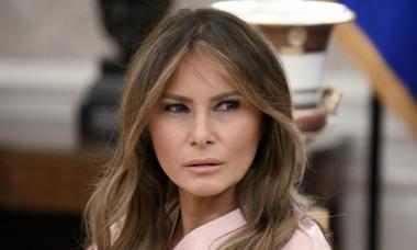 Apariție sobră a Melaniei Trump. Ținuta aleasă de Prima Doamnă a Statelor Unite în plină perioadă de proteste