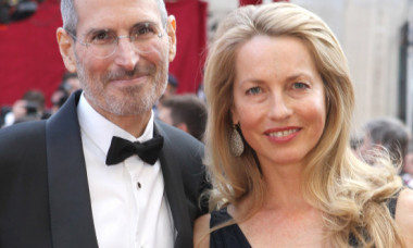 Cum a fost surprinsă văduva lui Steve Jobs pe un iaht, la nouă ani de la moartea co-fondatorului Apple: FOTO