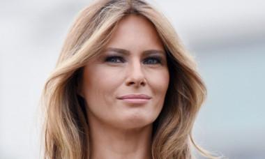 Ținuta aleasă de Melania Trump pentru prima zi a vizitei oficiale din India. A atras toate privirile