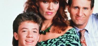 """Am râs cu lacrimi la scenele cu el din Familia Bundy. Cum arată """"Bud Bundy"""" la 46 de ani: are o iubită superbă!"""