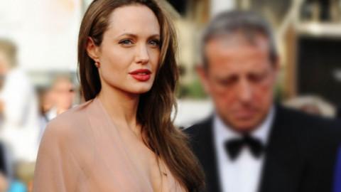 Puțini știu cine a fost primul soț al Angelinei Jolie. Cei doi s-au căsătorit când actrița avea doar 20 de ani, într-o ceremonie bizară