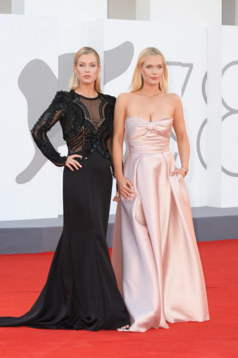 Lady Amelie Spencer și Lady Eliza Spencer la Festivalul de Film de la Venetia, 2021, Foto: Profimedia