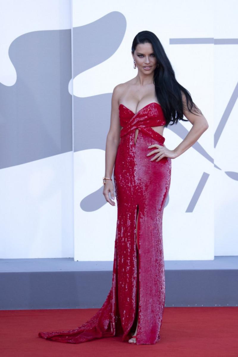 Adriana Lima la Festivalul de Film de la Venetia, 2021, Foto: Profimedia