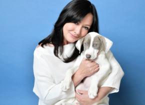 """Shannen Doherty a împlinit 50 de ani. Brenda din serialul """"Beverly Hills"""" se luptă de șase ani cu cancerul"""