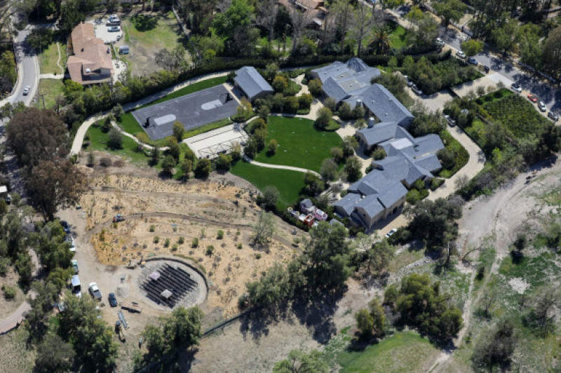 PREMIUM EXCLUSIVE Kim Kardashian Expands Upon Her Breathtaking Mansion While Joining The Billionaire List